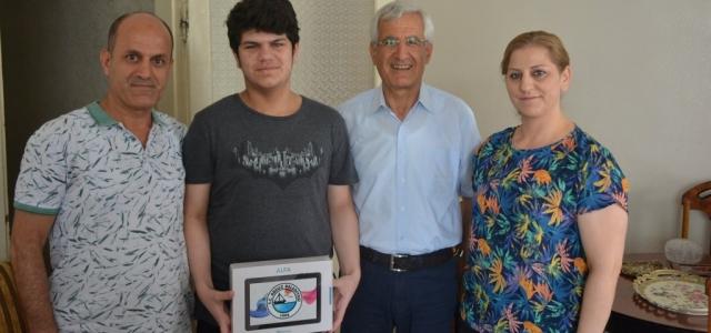 Türkiye Birincilerini Başkan Güven Ziyaret Etti