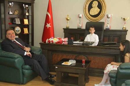 Ulu Önderimiz Atatürk'e Teşekkür