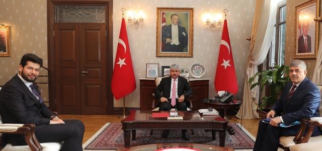Vali Doğan, Musa Esatoğlu'nu Tebrik Etti