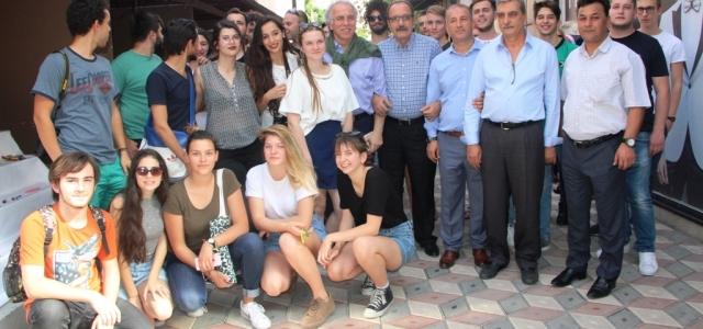 Yabancı Öğrencilerden El Sanatları Sergisi